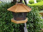 wood & mesh bird feeder